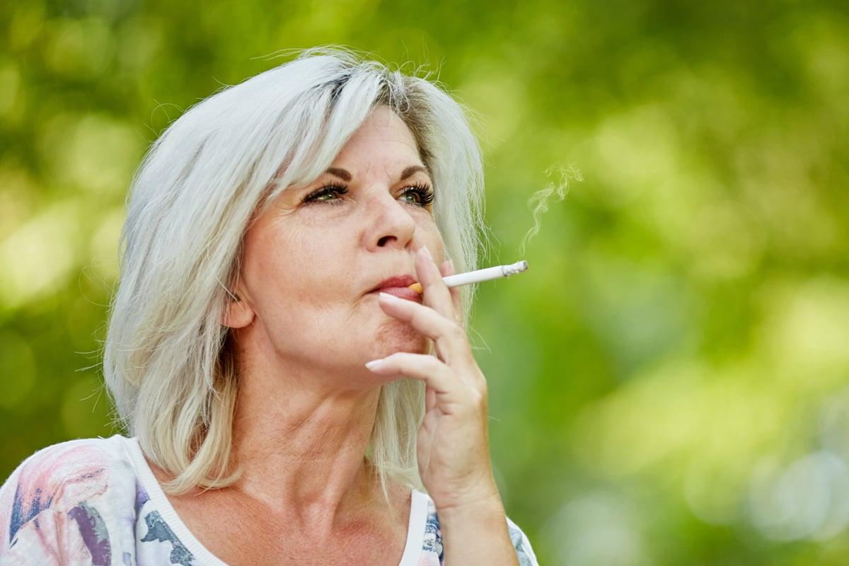 smoker_lady